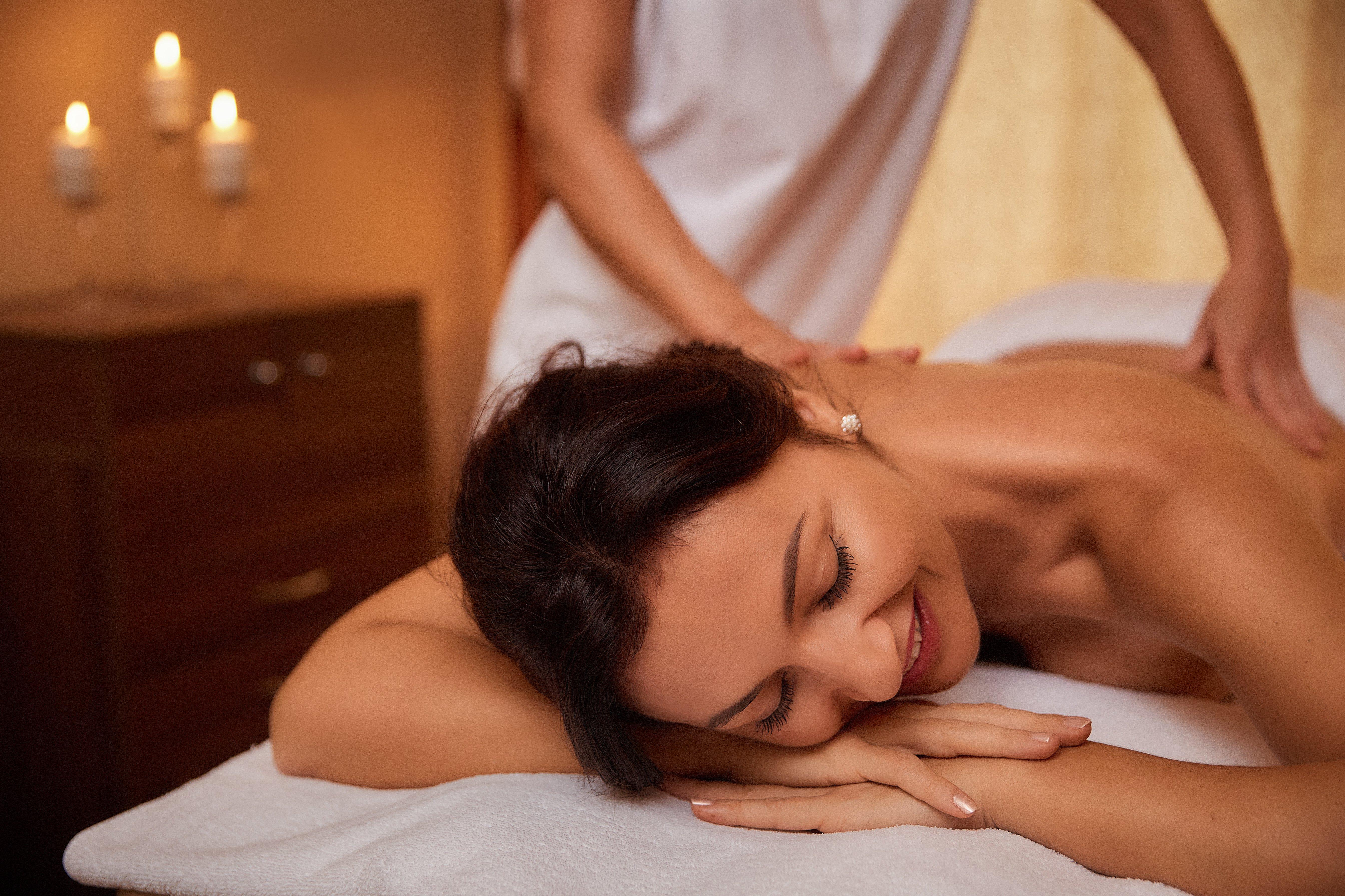 Японка оргазм на массаже, Оргазм на японском массаже - видео 12 фотография
